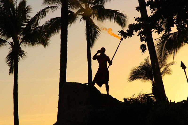 big-kahuna-luau-sunset-ceremonies-800x533