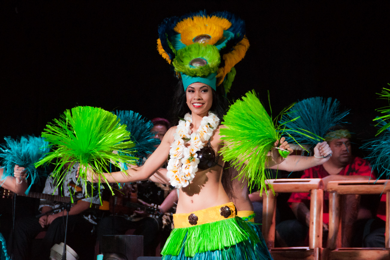 bigkahunaluau-award-winning-show