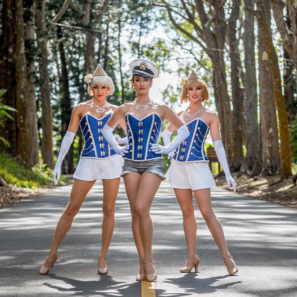 bigkahunaluau-dancers-1000x1000