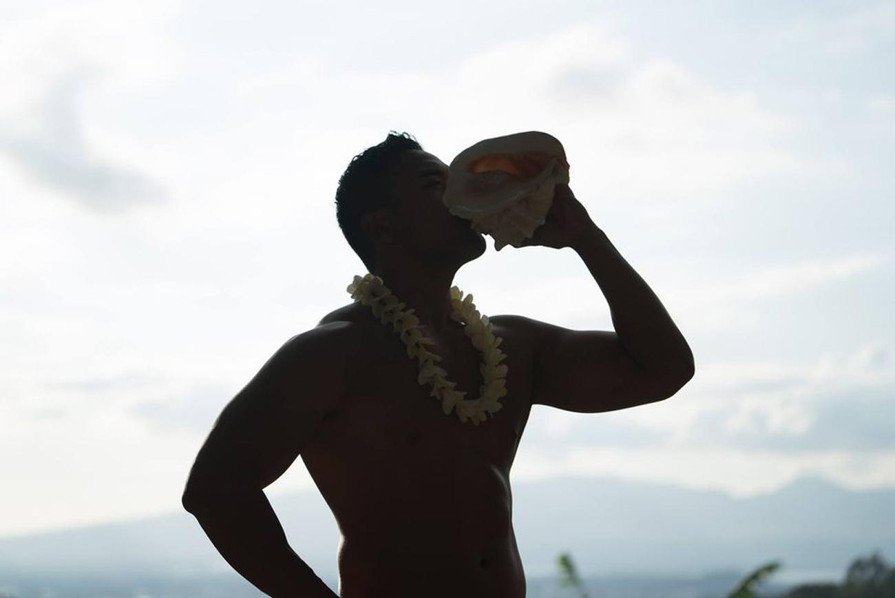 bigkahunaluau-hawaiian-conch-shell-welcome